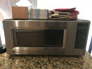 GE Monogram Microwave ZEM200sf01 for Sale in San Clemente, CA