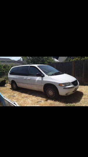 1998 Chrysler town and country for Sale in Tacoma, WA