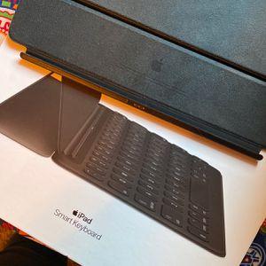 iPad Smart Keyboard for Sale in Fresno, CA