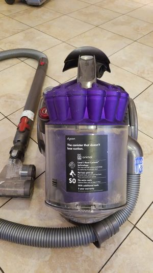Dyson DC 23. Pet vacuum. Level 3 root cyclone tecnology for Sale in St. Louis, MO