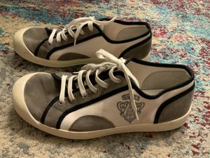Pre-loved Gucci low-top sneakers in white and gray for Sale in West Covina, CA