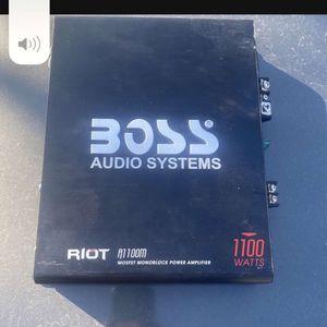 1100 Boss Amp for Sale in Modesto, CA