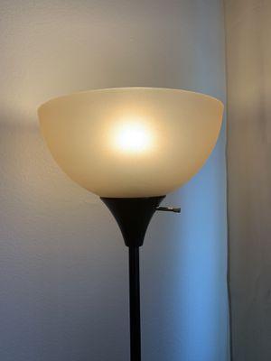 Floor lamp for Sale in San Bruno, CA