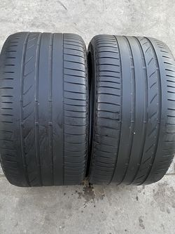 2 tires 315/35/20 Briedgestone for Sale in Bakersfield,  CA