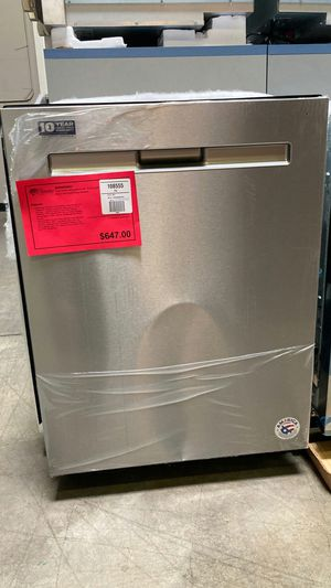 Maytag top control dishwasher with third level rack and dual power filtration. One year manufacturers warranty. for Sale in Chandler, AZ