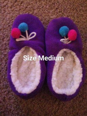 Women's slippers sz Medium for Sale in Woodbridge, VA