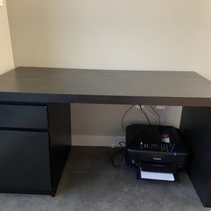 Wooden Computer Desk for Sale in Bloomfield, CT