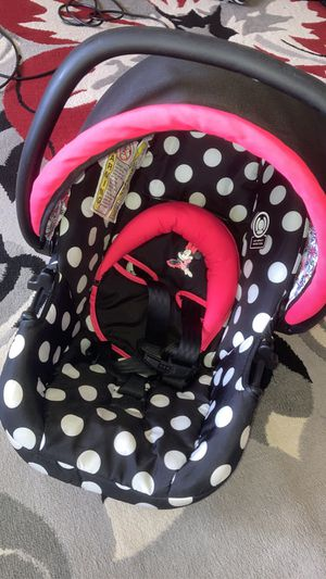 Minnie Mouse Car Seat. for Sale in Battle Creek, MI