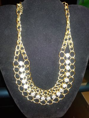 Beautiful Gold Tone and Crystal Chained Necklace for Sale in Spanaway, WA