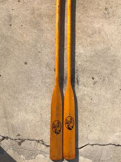 7 1/2 foot Bass pro shop paddles for Sale in Orange,  CA