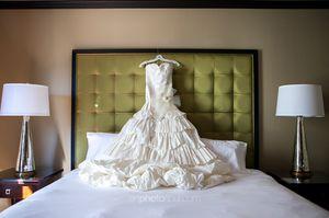 Wedding Dress Vera Wang White for Sale in Orlando, FL