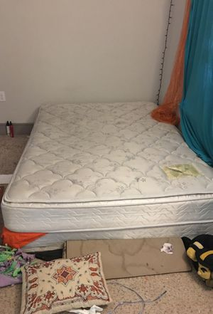 FREE MATTRESS AND BOX SPRING for Sale in Dallas, TX