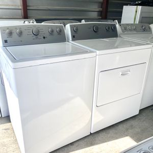 Kenmore King Capacity Washer And Electric Dryer Set for Sale in Las Vegas, NV