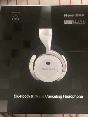 New Bee stereo wireless Bluetooth headphone for Sale in Houston, TX