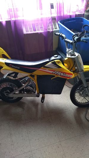 Razor 36 volt electric Power MX 650 dirt rocket Motocross off road bike for Sale in New York, NY