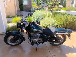 2001 Suzuki GZ250 Motorcycle for Sale in Irvine, CA
