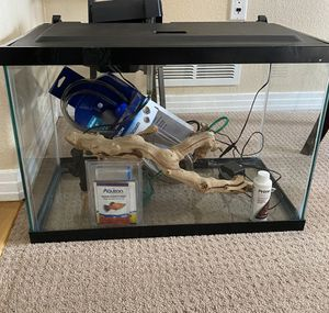 Fish tank for Sale in Aurora, CO