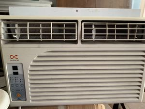 DAEVOO WIndow AC unit 5000 BTU for Sale in Lake Elsinore, CA