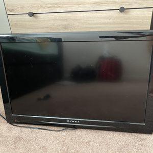 """Dynex 27"""" Flat Screen TV for Sale in Seaside, CA"""