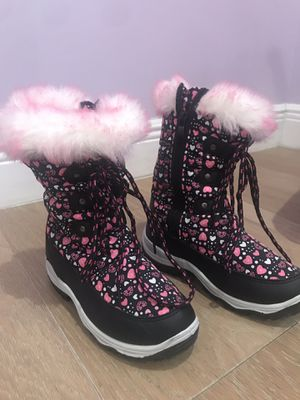 Snow Winter Boots for girl Size 2 for Sale in Miami, FL