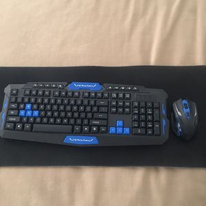 Gaming Keyboard With Mouse (wireless HK8100) for Sale in Los Angeles, CA