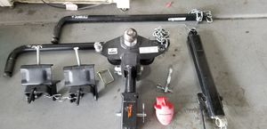 Husky tow hitch complete with sway bars and stability bar & Safety chains. for Sale in Gilbert, AZ
