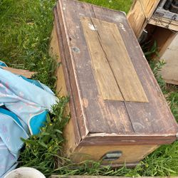 Old Chest for Sale in Clovis,  CA