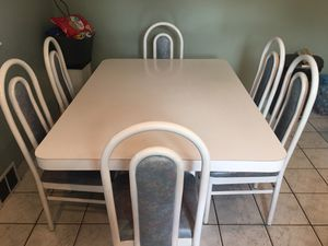 Kitchen set , White Formica table and 6 chairs for Sale in Atco, NJ