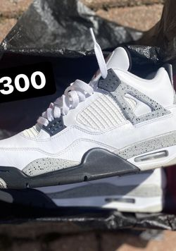 Jordan 4 $300 Size 10 for Sale in Cleveland,  OH