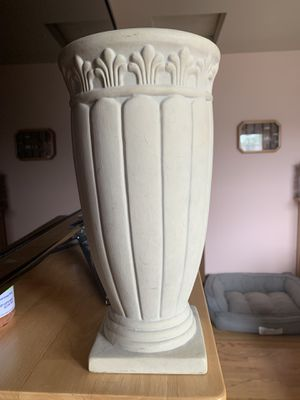 Vase with stand for Sale in Alsip, IL