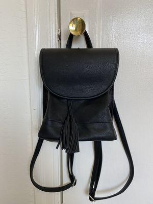 Black backpack for Sale in Oakland, CA