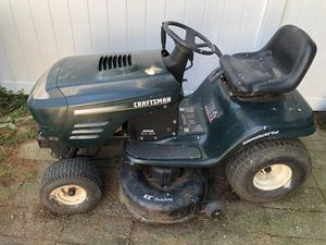 Craftsman tractor lawn Moore for Sale in Oakhurst, NJ