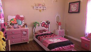 Hello Kitty Bedroom Set. for Sale in Harlingen, TX