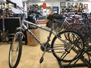 Giant Sedona Mountain Bike MNS for Sale in Hollywood, FL