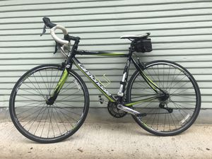 Cannondale Synapse Pro Road Bicycle and Accessories for Sale in Austin, TX