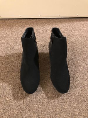 Impo boots with side zipper woman size 7 for Sale in Carmel Valley, CA