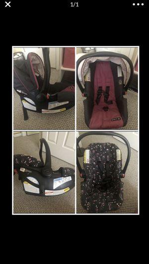 2 graco Snugride click connect car seats for Sale in Richmond, VA