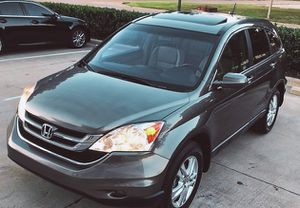 SELLING 2010 HONDA CRV SILVER COLOR 4 DOORS for Sale in West Valley City, UT
