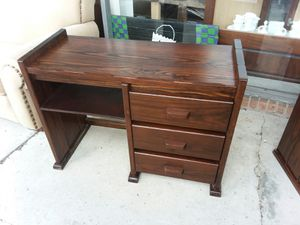 Solid wood desk, no Ikea junk, credit cards accepted 😁 have matching dresser available 😲 for Sale in Joliet, IL