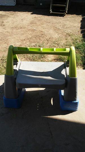 Kid desk for Sale in Bakersfield, CA