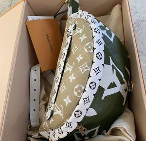 LOUIS VUITTON MONOGRAM GIANT BUM BAG for Sale in Boston, MA