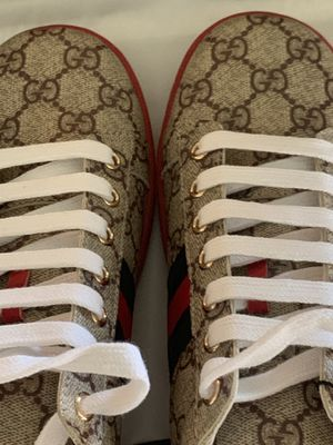 Men's Gucci Ace Sneakers US 8.5 for Sale in West Seneca, NY