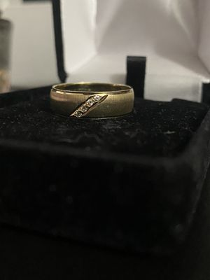 14k Solid Gold Diamond Ring Size 7 for Sale in South Gate, CA