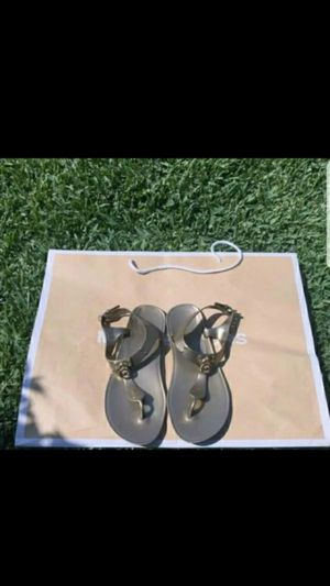 Authentic Michael Kors Jelly Sandals Gold Key Chain Lock Logo Size 8 $55 💞😍 for Sale in Bloomington, CA