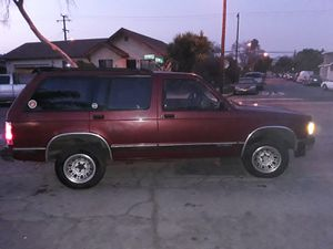 Gmc chevi blazer for Sale in Pico Rivera, CA