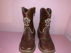 Size 8c girl boots for Sale in Richardson, TX