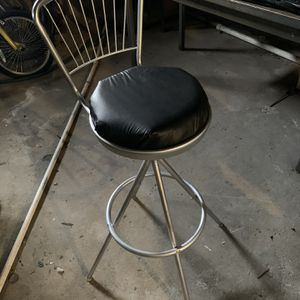Swivel Stool for Sale in Mentor, OH