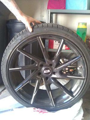 """20"""" STR black rims for Sale in Denver, CO"""