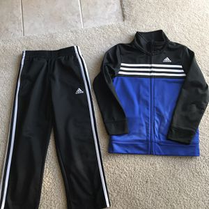 Adidas Size 6 T for Sale in Sacramento, CA