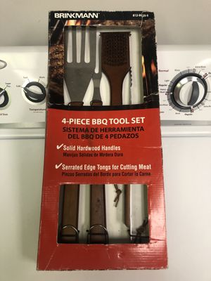 4 Piece BBQ Tool Set for Sale in New Albany, OH